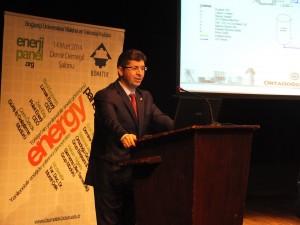 Ortadoğu Group Enerji Grup Başkanı Mehmet Bey, katı atıktan enerji üretiminin detaylarını aktarırken...